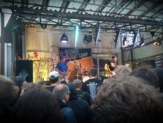 Knochenfabrik auf der Bühne in Köln