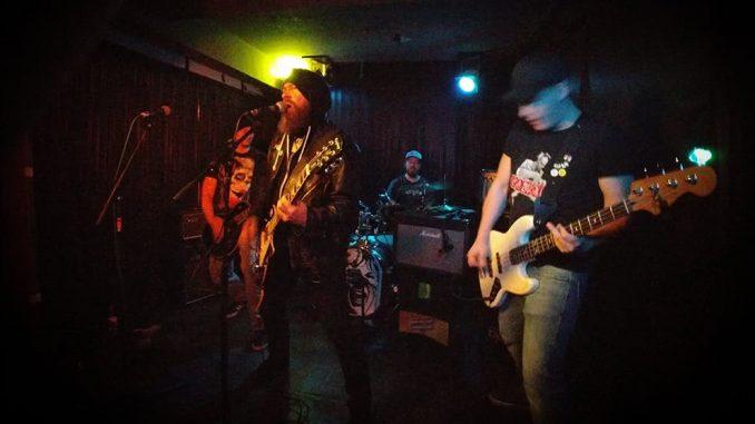 Borderline Society auf der Bühne im Tsunami Club