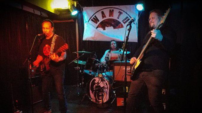R.O.C.K.E.T. auf der Bühne im Tsunami Club