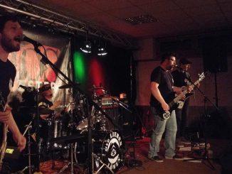 KaosOrchester auf der Bühne in Langenfeld